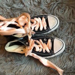 Black &white Converse